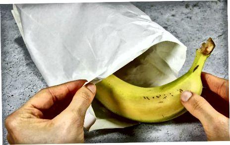 Pjekja e bananeve në një qese