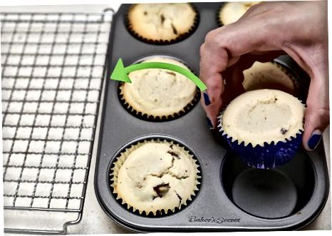 Serveert de muffins