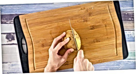 Kartoffeln hacken für Pommes
