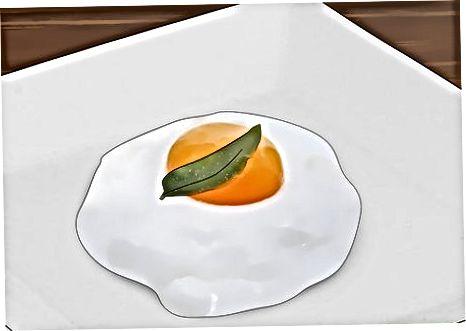 להלביש את הביצים