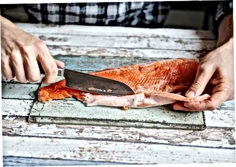 Филетирање целог лососа