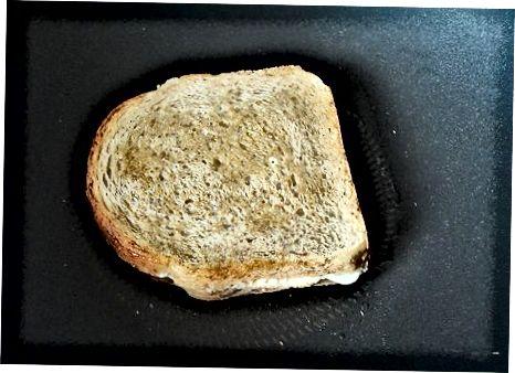 Oddiy Vegan panjara pishloq sendvichi