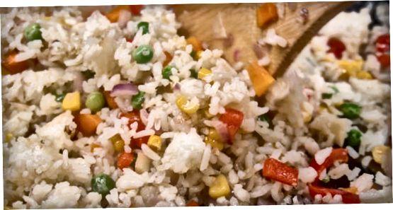 تلی ہوئی چاول پکانا