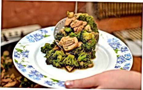 Vištienos ir daržovių sudėjimas kartu