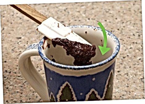Fazendo mexicano caneca de chocolate quente bolo