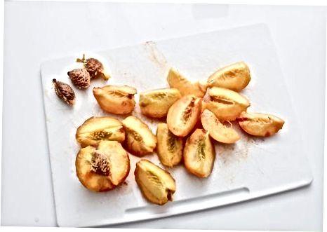 Підготовка персиків до консервування