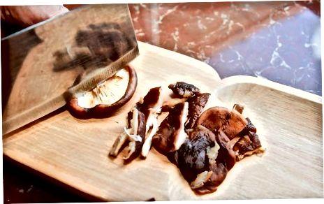 Pilze im Ofen trocknen