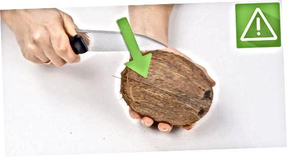 Blerja dhe hapja e arrës së kokosit