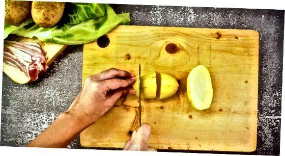 Kohl mit Kartoffeln kochen