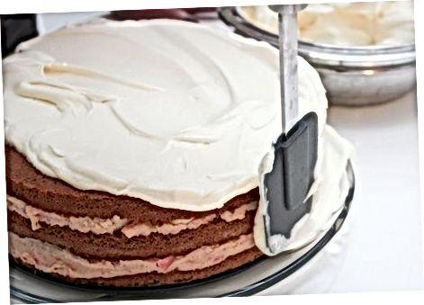 Pjesa e dytë: Shtimi i aromës në tortën e pjekur