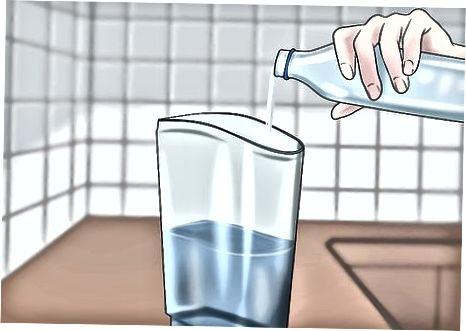 با استفاده از اسید سیتریک و آب
