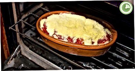 Cheesy Baked Tortellini machen