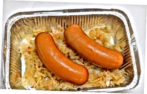 Tandirda Knockwurst pishirish