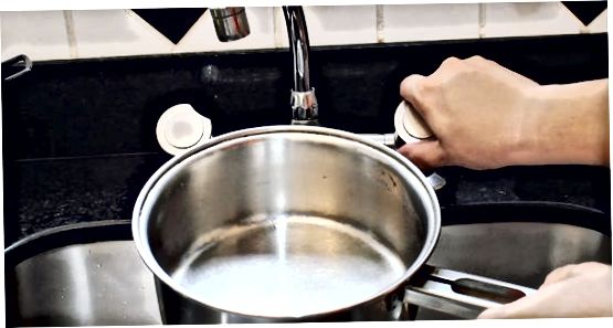 Кухање кромпира са алуминијумском фолијом