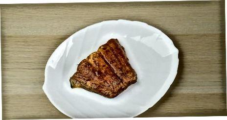 Črnenje rib na žaru