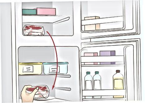 Розморожування стейок в холодильнику