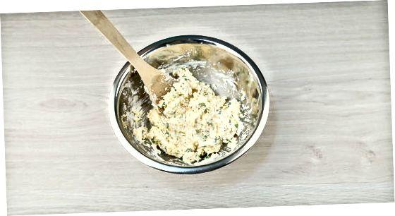 Criando queijo bola mergulho
