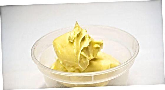 准备一个简单的奶油糖霜