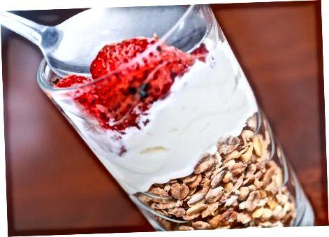Yunon yogurt bilan foydali nonushta qilish