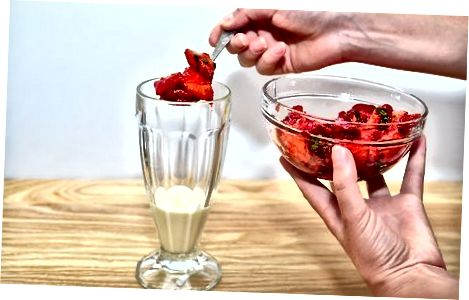 Å lage yoghurtparfait