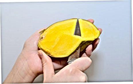Achchiq tuzlangan mango