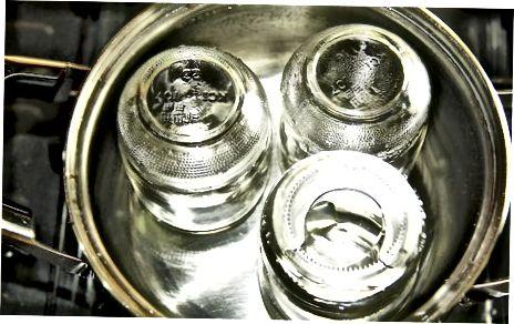 Sterilizuokite stiklainius