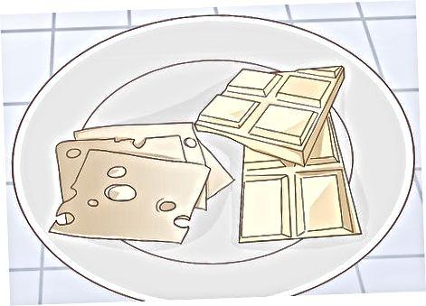 Supjaustykite šokoladą su sūriais, kurie papildo vienas kitą