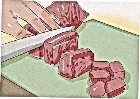 Marinierte Straußensteak-Kebabs zubereiten
