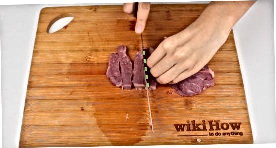 Нарізання м'яса вручну