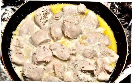 Pieno ar grietinėlės višta vištiena
