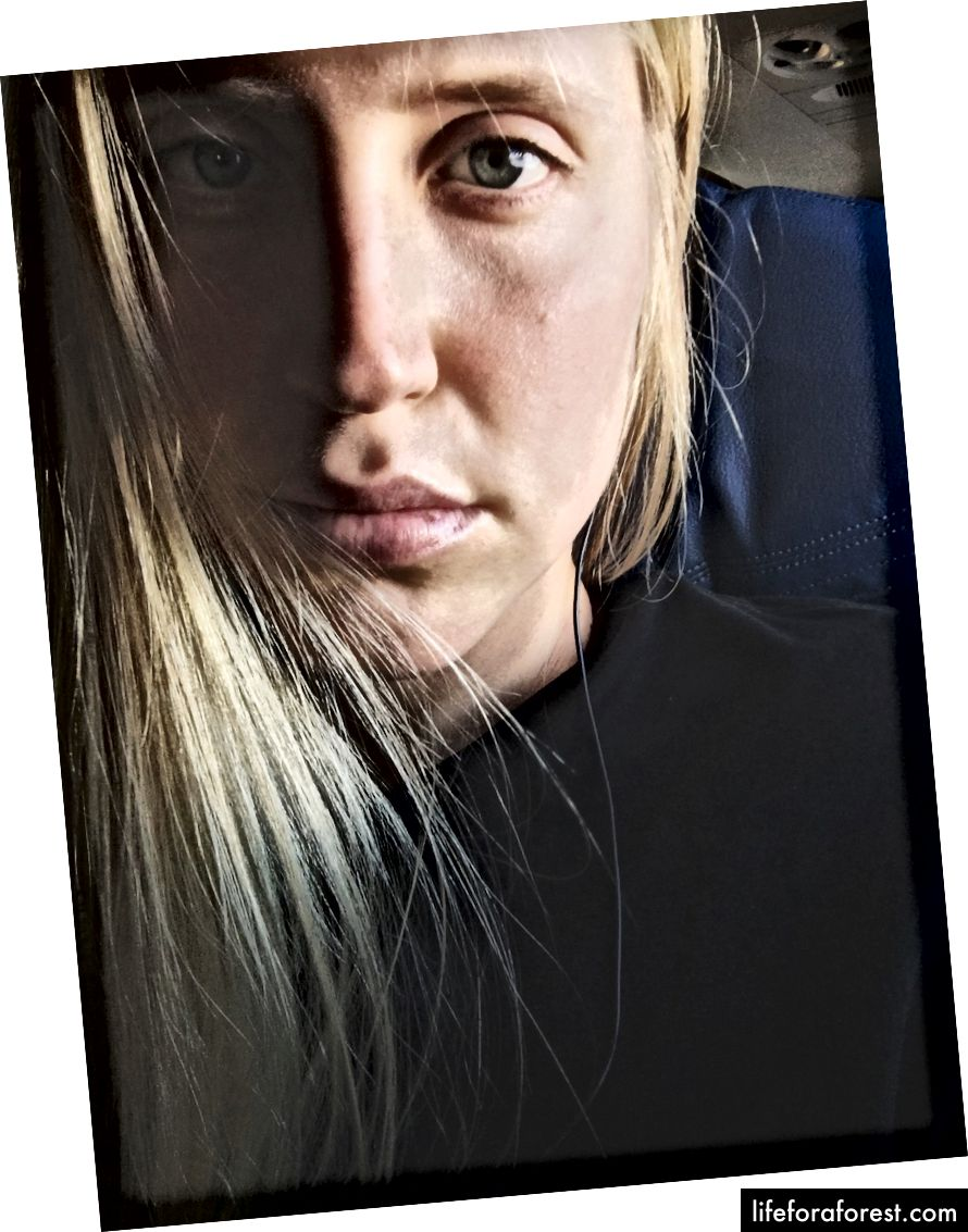 Ben ve zayıf aklımda, kırmızı göz uçuşunun sonunda bir selfie alarak hatırlayamıyorum.
