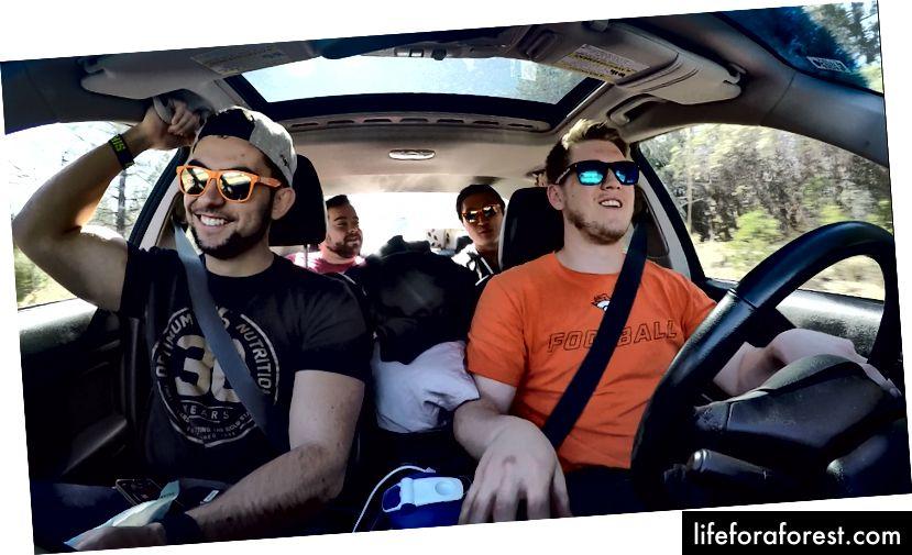 3 av de beste gutta jeg kunne ha bedt om å dra på biltur med. Takk Josh (til høyre), David (bakerst til høyre) og JB (bakerst til venstre) for at du gjorde denne turen til den utrolige tiden det var.