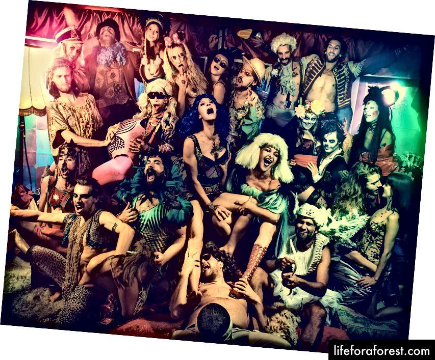 Wilde Renate là một câu lạc bộ nhiều tầng, nhiều phòng có vẻ hơi khác nhau mỗi khi bạn đi. Hình ảnh lịch sự: Wilde Renate từ Facebook.