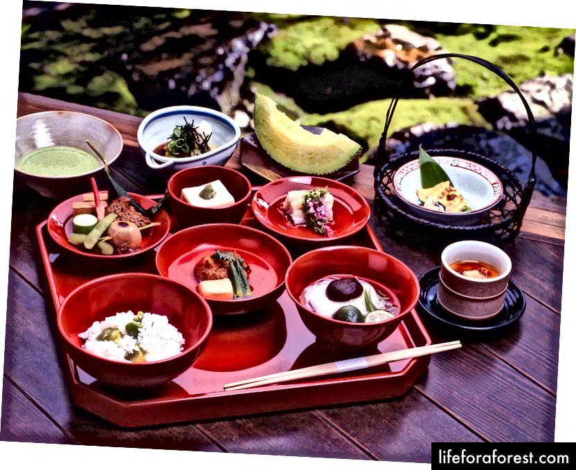 Et tradisjonelt Shojin Ryori måltidssett, Tenryu Temple, Arashiyama, Kyoto. Bildekilde: Tenryu Temple.