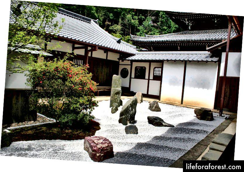 Geleneksel kaya bahçeleri, Obakusan Manpuku Tapınağı, Uji Şehri, Kyoto (idari bölge). Resim Kaynağı: Obakusan Manpuku Tapınağı Facebook üzerinden.