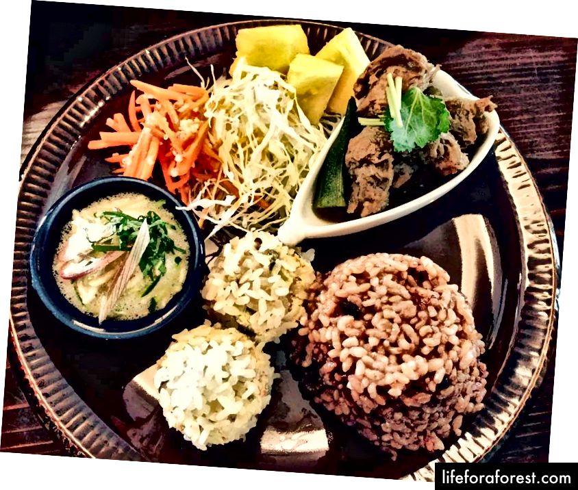 Shojin Ryori taomlari, Shojin kafesi Foi, Shinturi, Vakayama shahri, Vakayama prefekturasi. Rasm manbai: Facebook orqali Shojin Cafe Foi.