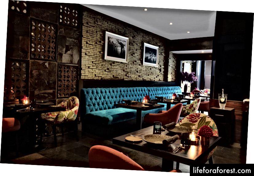 Balidagi eng yaxshi restoranlardan biri - Teatro Gastroteque-dagi ichki makon