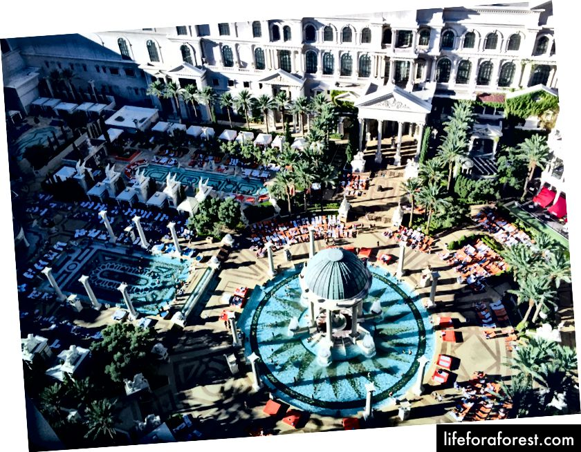 Caesars Palace - kan selv de mest enorme feriestedene i Vegas implementere progressiv politikk?
