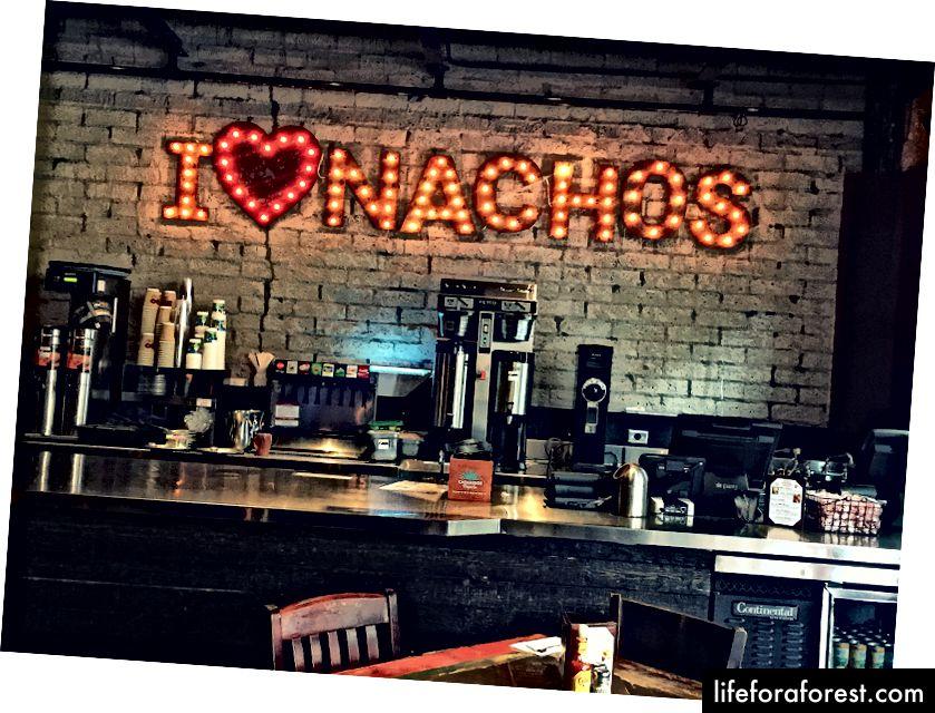 Начос на основі рослин, зроблений правильно - Nacho Daddy - це обов'язкова зупинка для веганської мексиканської класики.