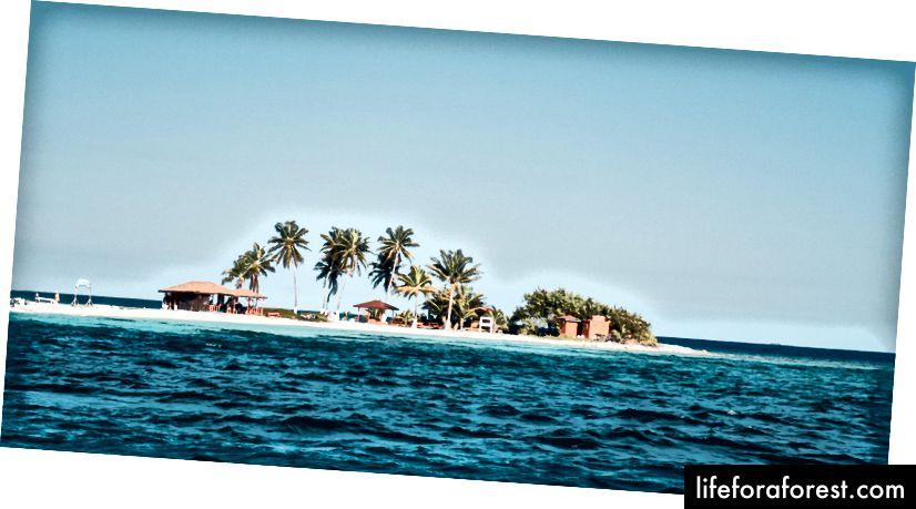 Ukjent kaj utenfor den kysten av Belizean.
