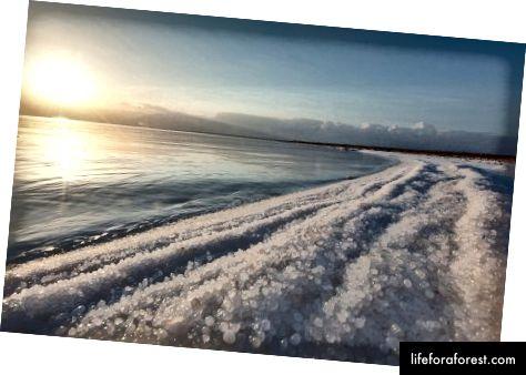 Biển chết ngoạn mục