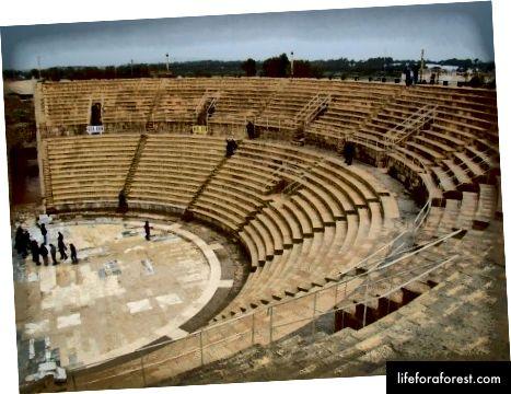 Nhà hát vòng tròn La Mã ở Cesarea - được phục hồi và giờ là địa điểm tổ chức buổi hòa nhạc độc đáo!