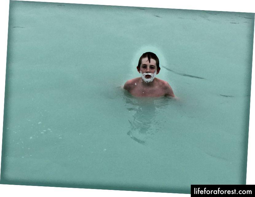 Hech narsa 37-39 ° C (99-102 ° F) suv va kremniy balchiq niqobiga o'xshamaydi