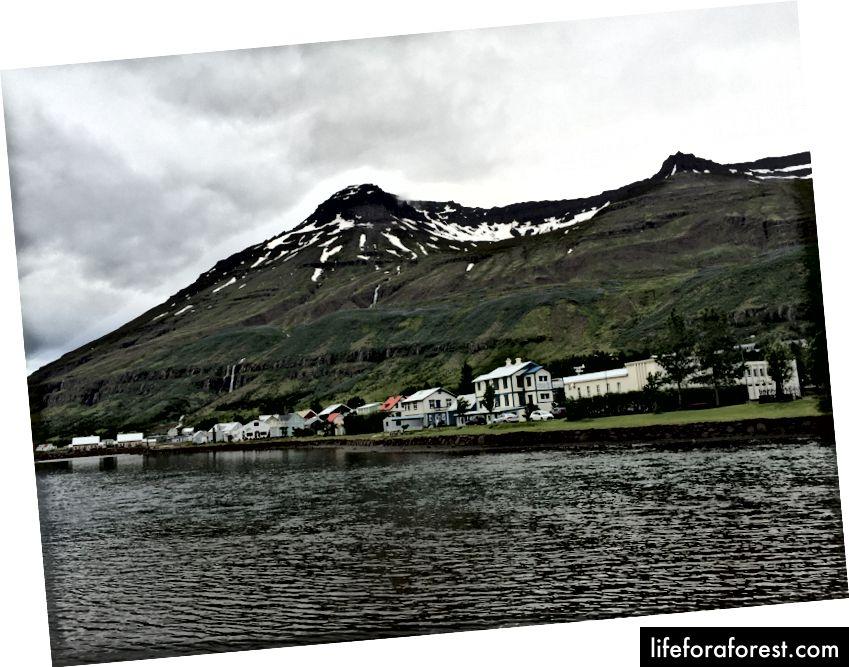 Den sjarmerende byen Seyðisfjörður