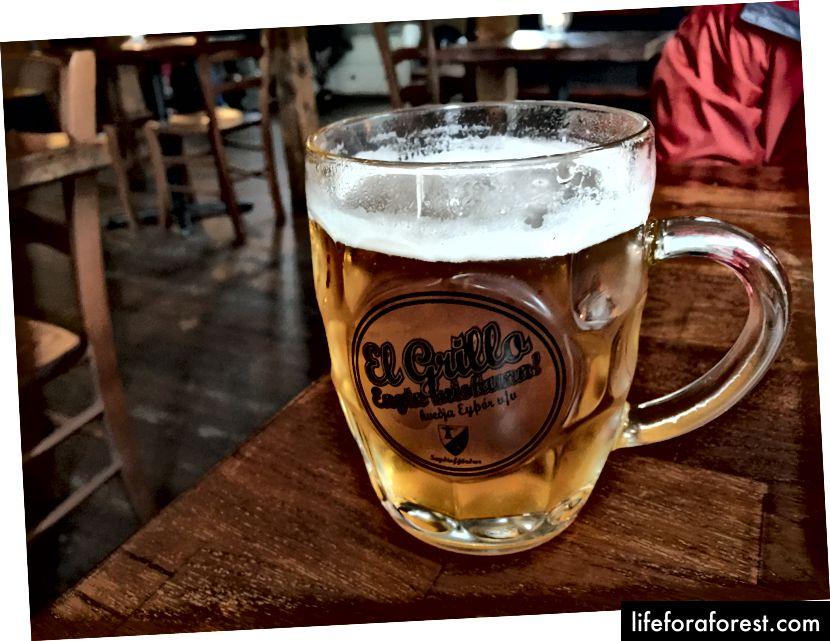 Det berømte El Grillo-ølet på Kaffi Lára El Grillo Bar