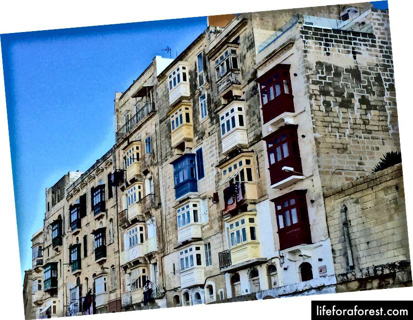 Vapnenačke fasade i malteški balkoni