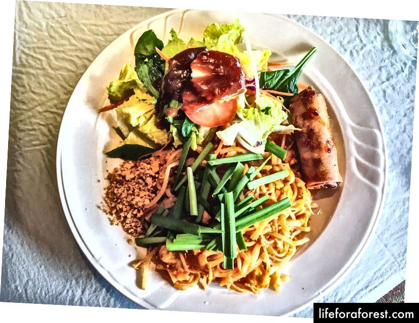 Een heerlijk bord voor Thais eten van Siam Cuisine in Truckee.