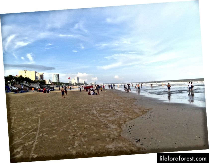 En bred strand i Vung Tau