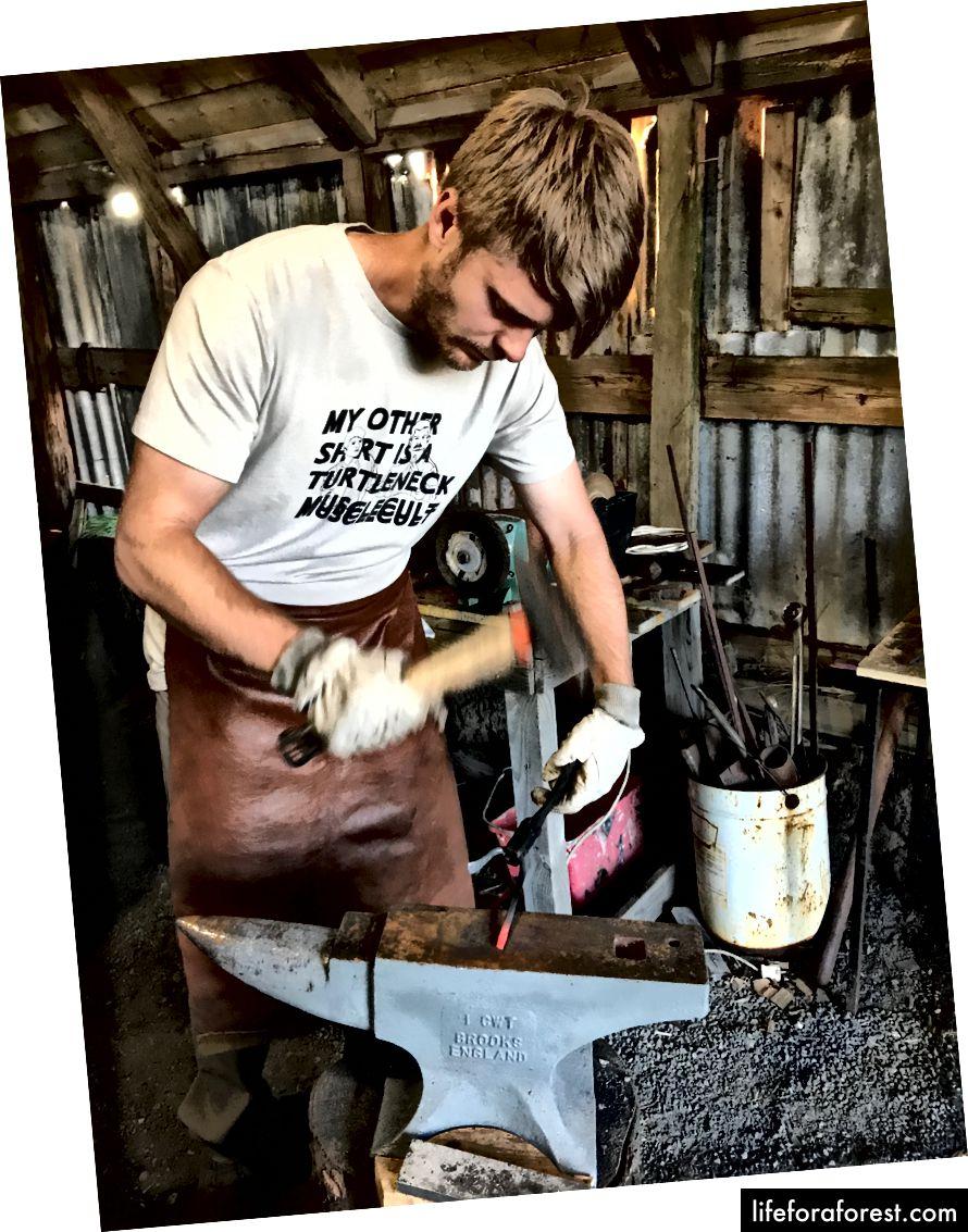 Học thợ rèn (như đi xe đạp) - Tháng 8 năm 2017 - Ảnh của Ali