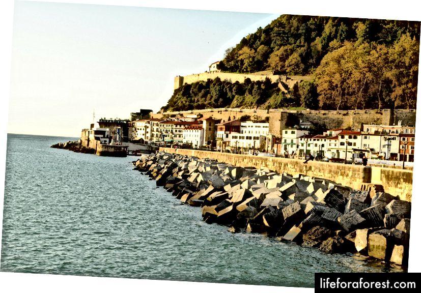 Puiki Ispanijos San Sebastiano pakrantė.